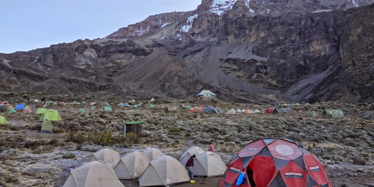 https://awesafari.com/wp-content/uploads/2020/01/machame-1280x640.jpg